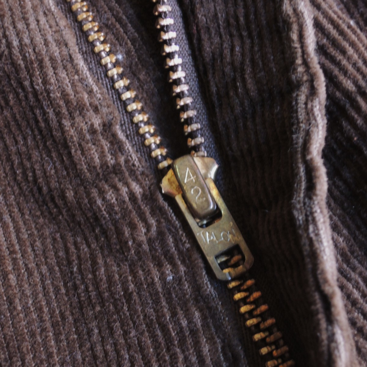 levi's646browncords03.JPG